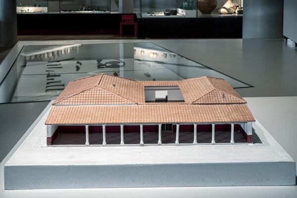 Maquette van een Romeinse stadswoning.