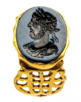 Zegelring met portret van keizer Commodus.