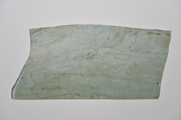 Vensterglasfragment van een Romeinse stadswoning.