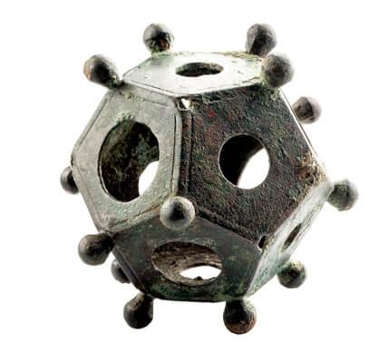 Dodecaëder, een geometrische, ruimtelijke figuur met twaalf vijfhoekige vlakken.